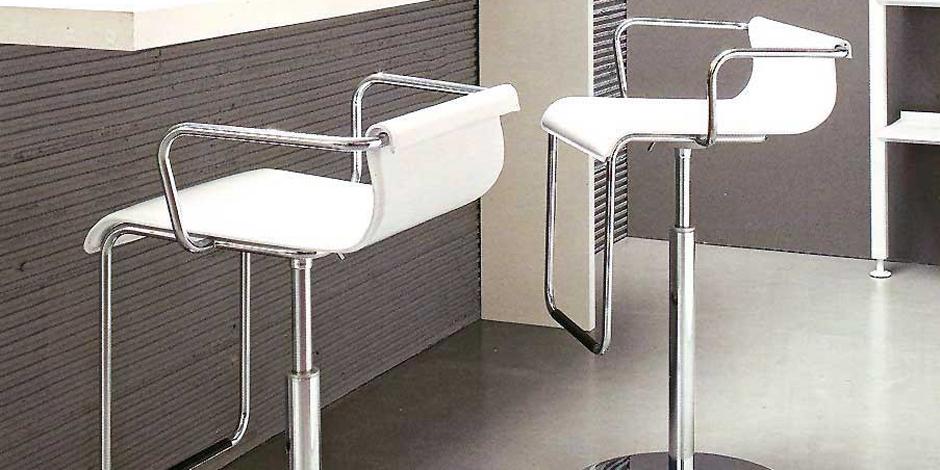 Sgabelli cucina moderni economici o di design mobilclick for Sgabello legno ikea