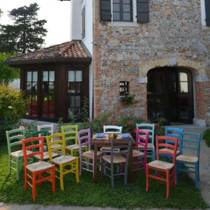 Lisa Walnut Table and 4 Colored wooden straw seat Chairs Set for home, restaurants, pizzerias, communities and bars Mobililar MI-SET-RUSTICO-NOCE-COLORE 1
