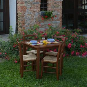 Set Anna Tavolo noce e 4 Sedie noce impagliate in legno per casa, ristoranti, pizzerie, comunità e bar